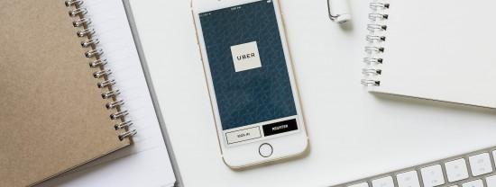 Carro, táxi, Uber e Zazcar: compare